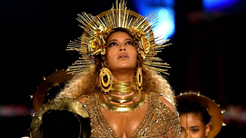 Beyoncé embarazada es lo mejor que vas a ver de los Grammy 2017