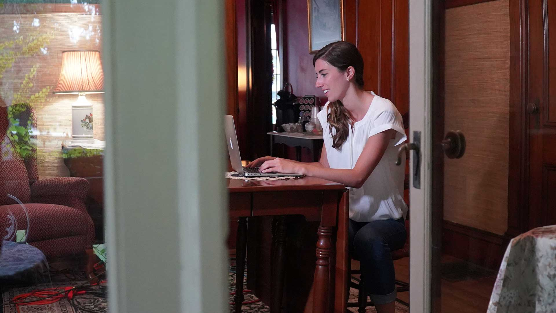 Fotograma de 'Crímenes en la red'
