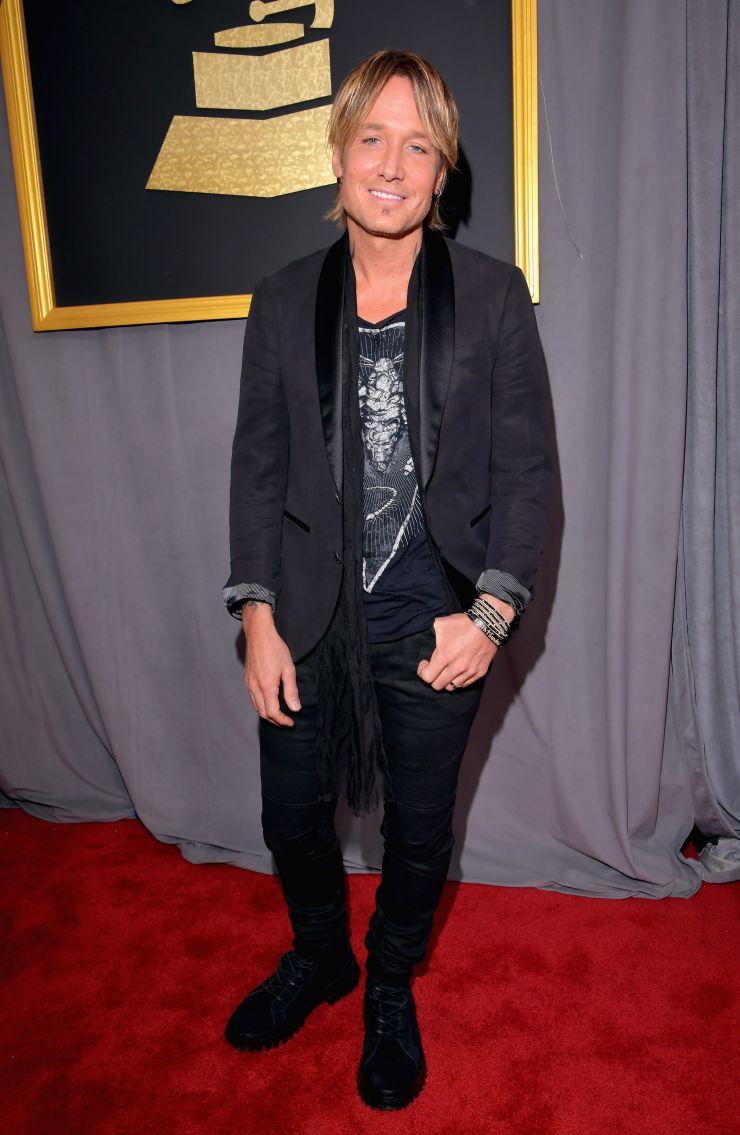 Los peores looks de los Grammy 2017